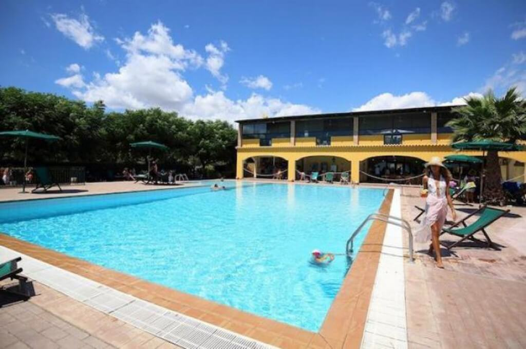 Marina Del Marchese Resort 1