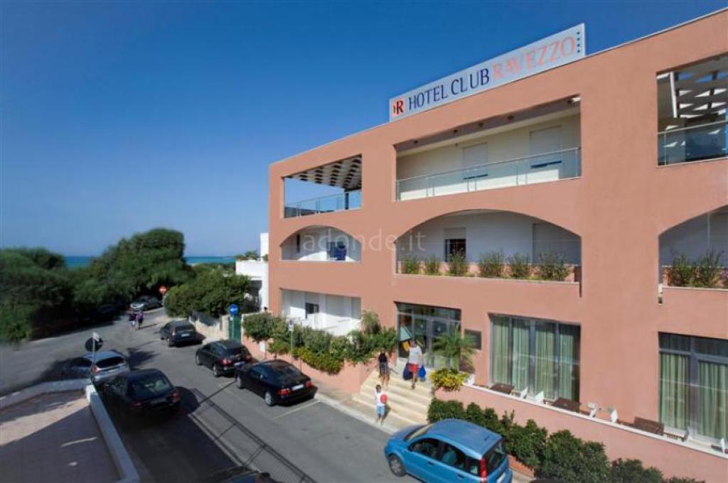 Ravezzo Beach Hotel 1
