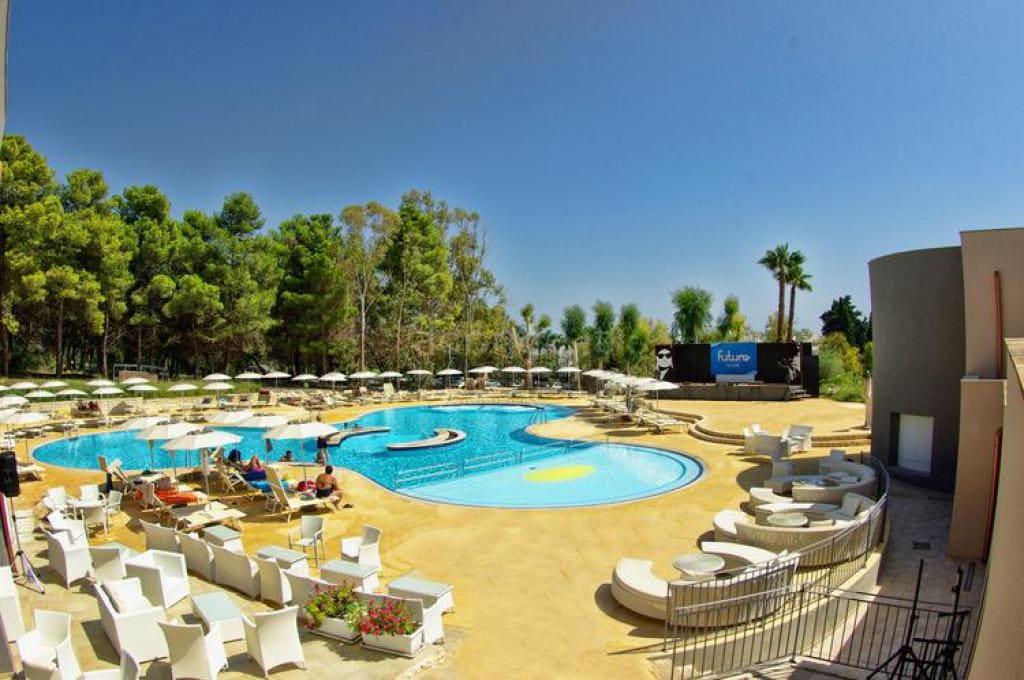 Futura Club Spiagge Bianche Resort 1