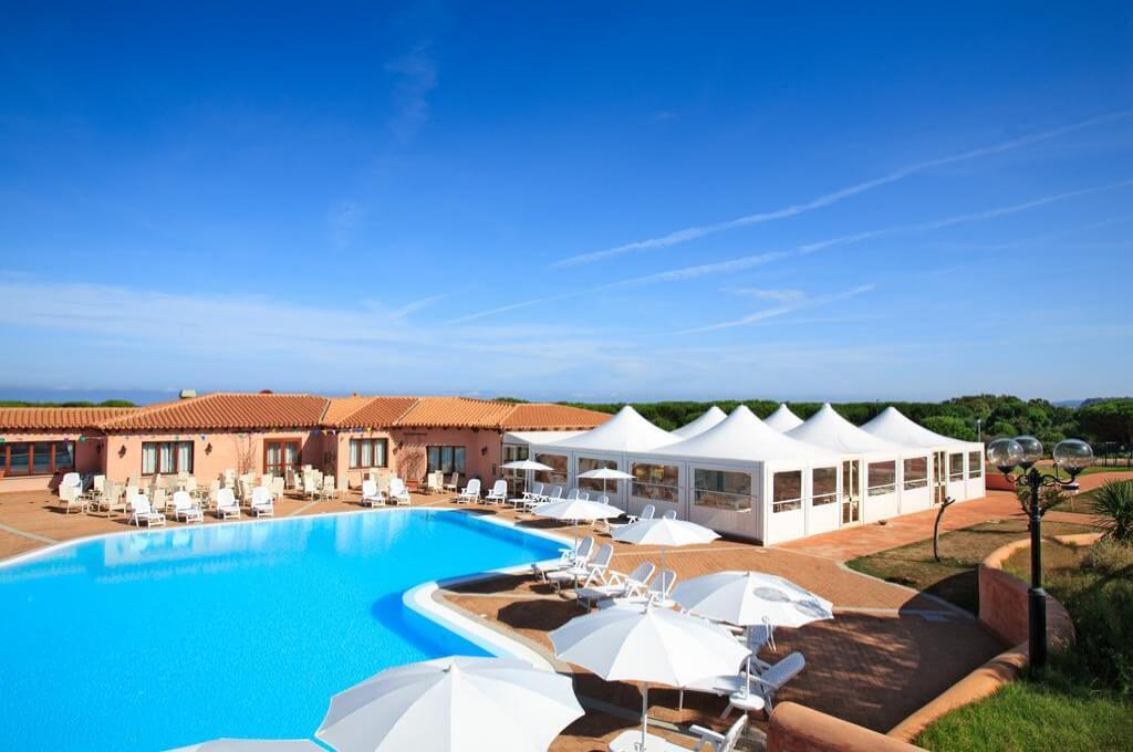 Offerte di villaggi turistici in Sardegna con nave gratis | Adonde.it